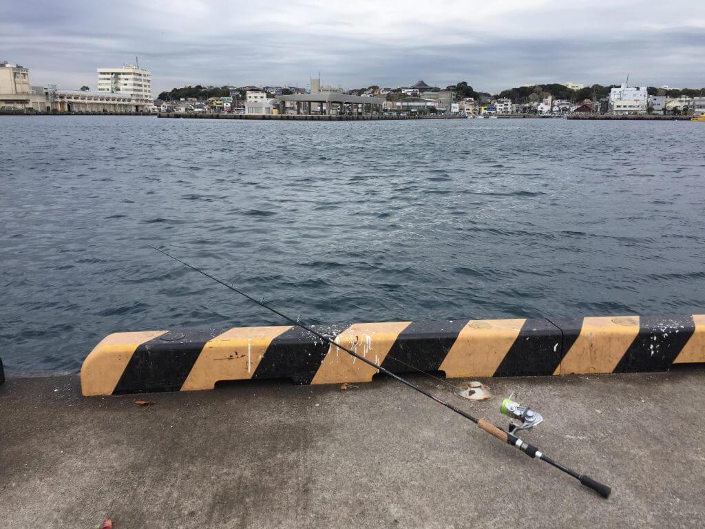 城ケ島岸壁で置き竿