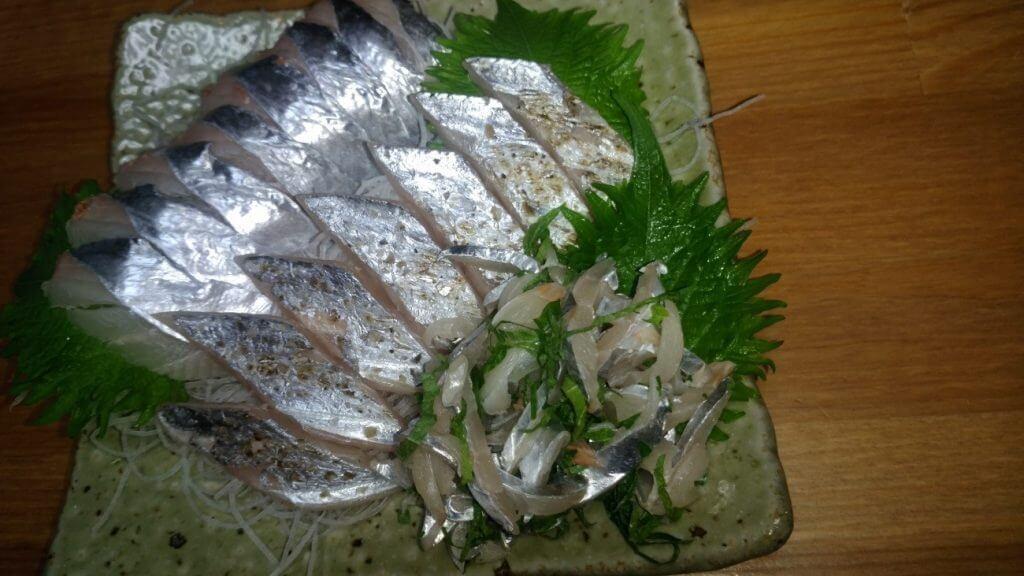 タチウオの刺身と炙りと大葉和え