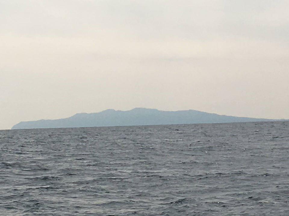 洲崎沖からみた伊豆大島