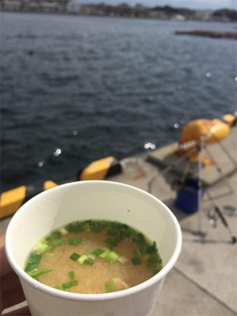 城ヶ島 釣り コムコム シジミ汁