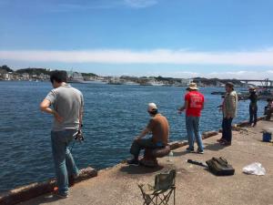 城ケ島岸壁 俺たちの釣り公式戦 コマセまき