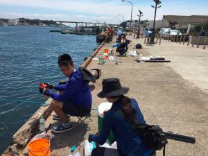 城ケ島岸壁 俺たちの釣り公式戦 根本夫婦