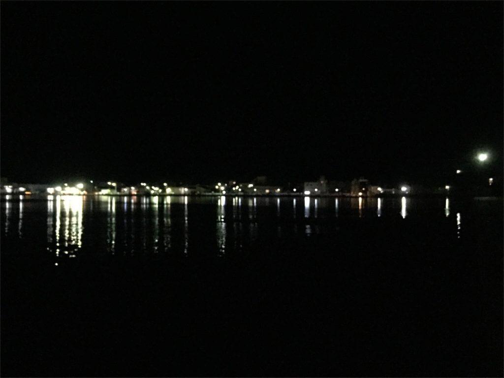 三崎港白灯堤防突端 釣り