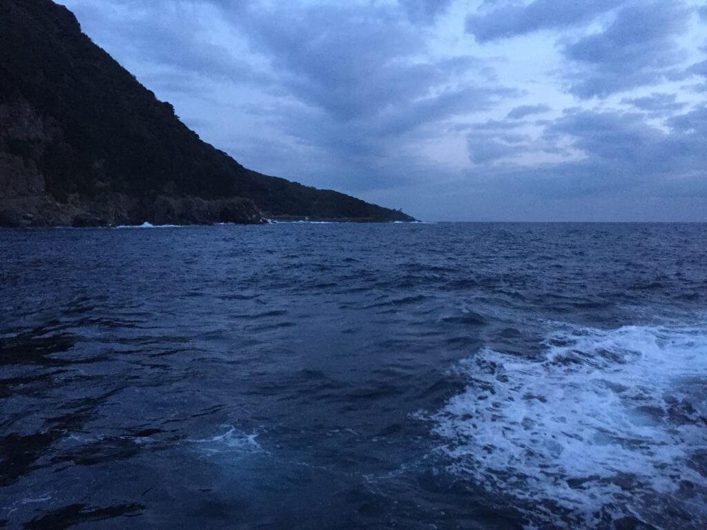 早朝のメメズ浜