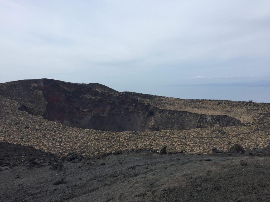 三原山火山口