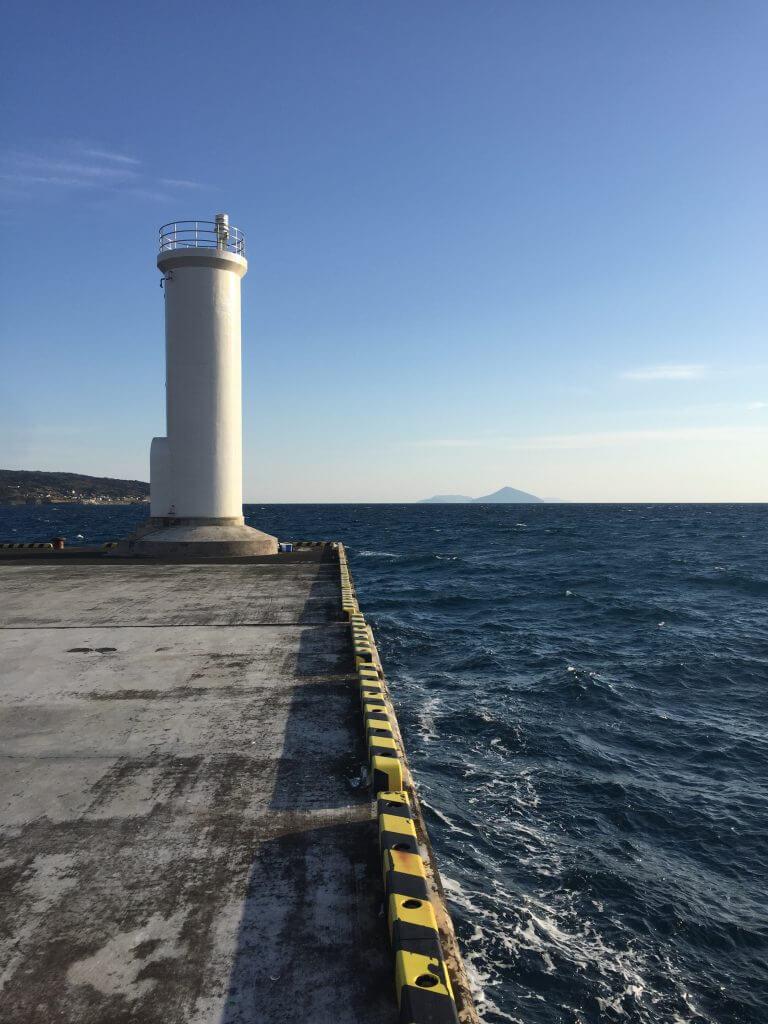 伊豆大島元町港で釣り