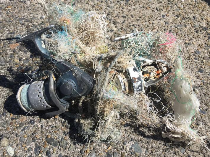 富浦新港にあった芸術的なゴミ