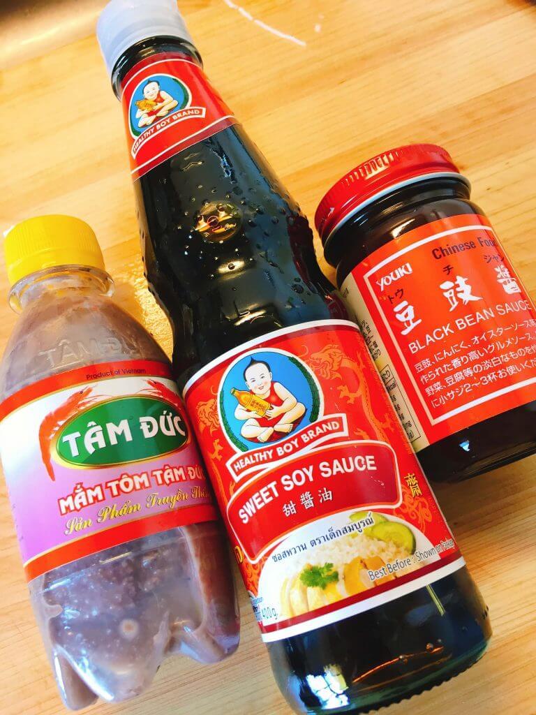 マムトム(アミコマセペースト)をはじめとしたアジア調味料