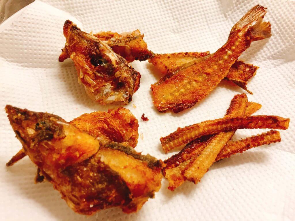 シロギスとギンアナゴの骨煎餅