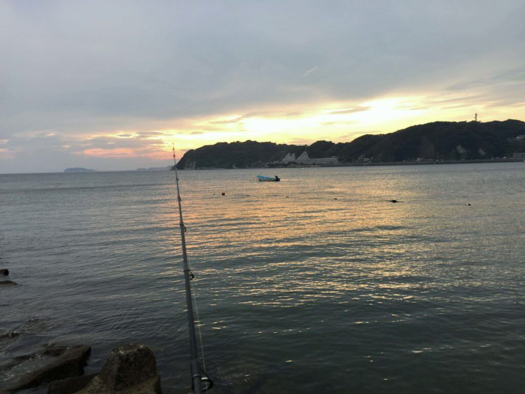 夕日と釣り竿