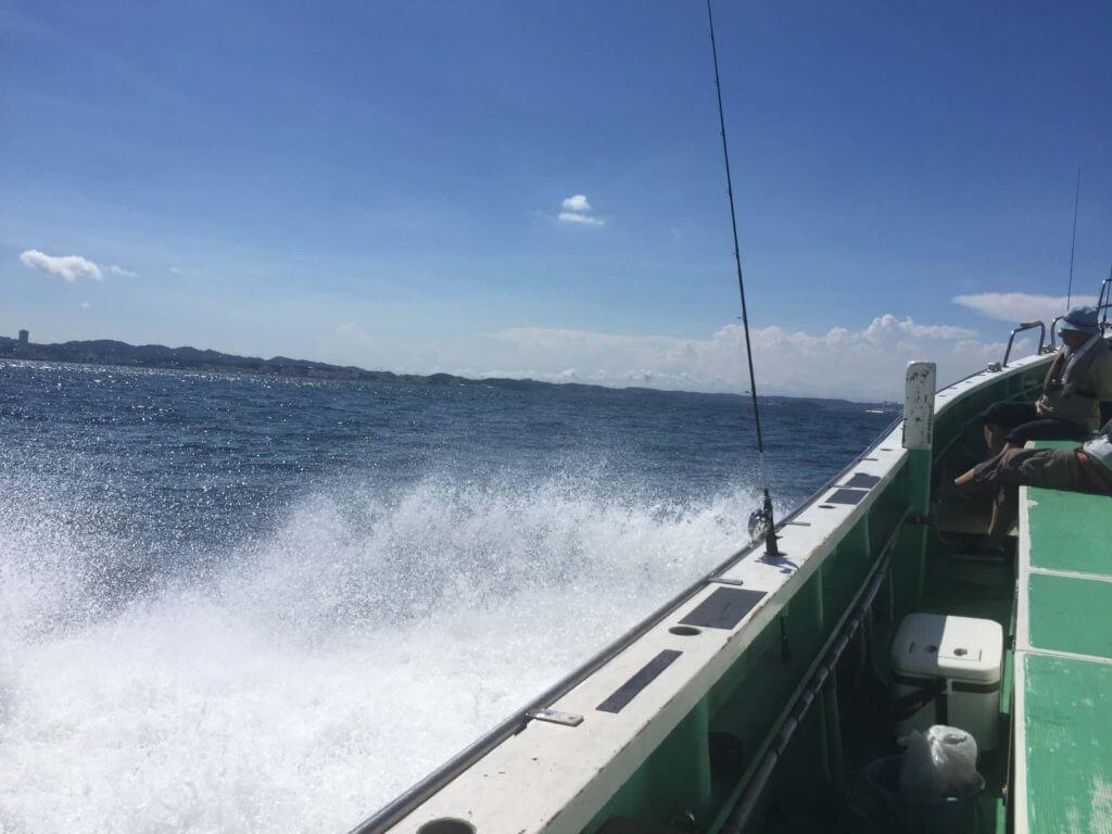 船釣り出航