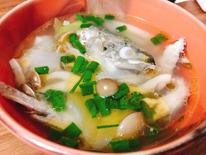 アジとサバのアラで中華スープ