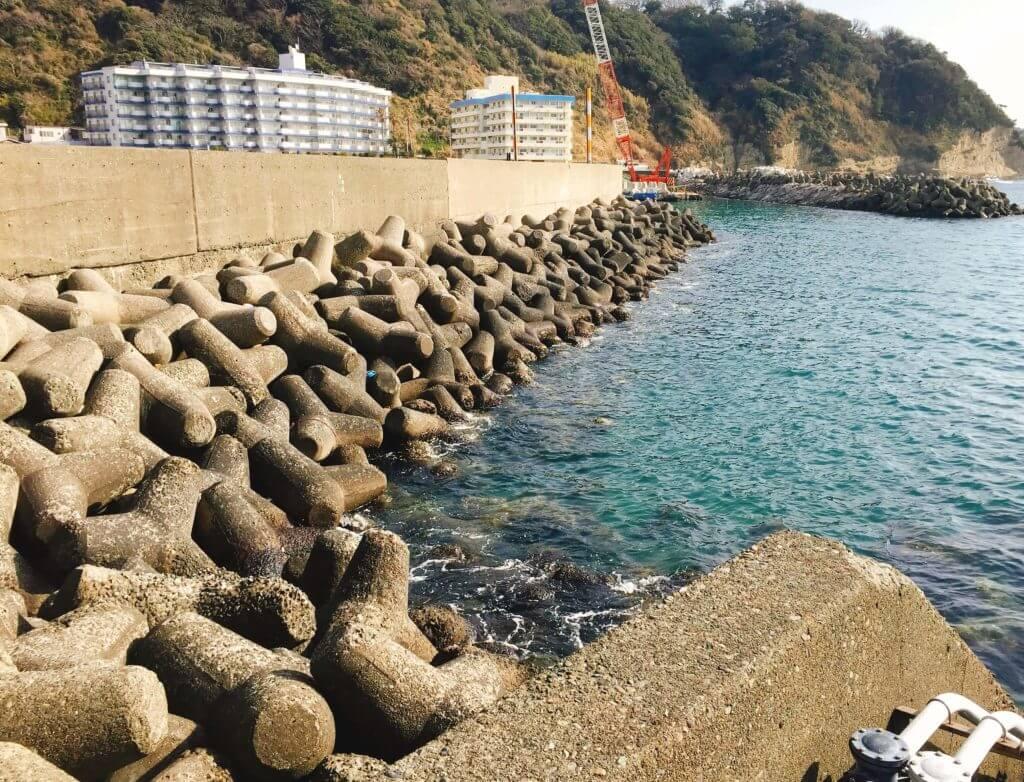 漁港外側のテトラ