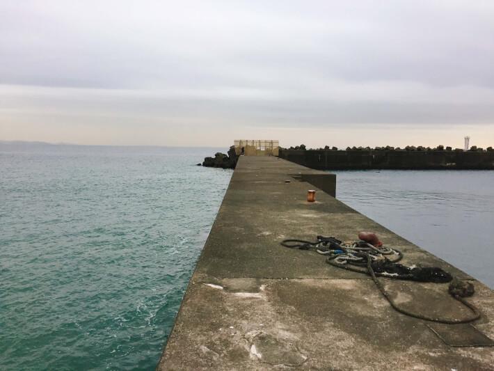 大磯港の東堤防