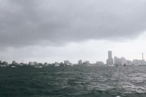 船釣り 雨雲