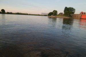 荒川運動公園 岩淵水門近くの岩場で釣り