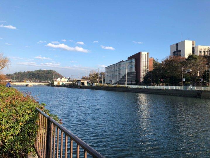 関東学院大学前