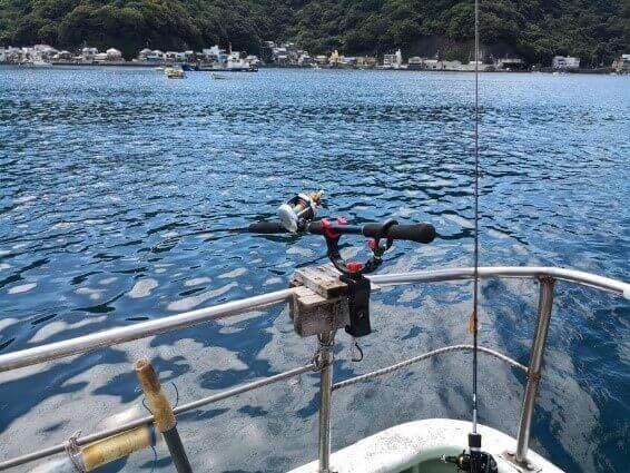 係留船で釣り