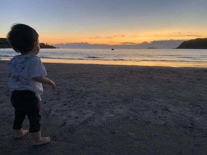 逗子海岸と幼児
