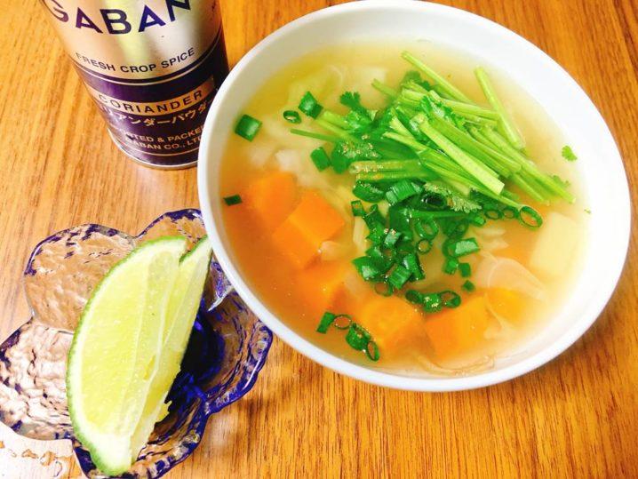 イシモチのアラ炊きナンプラースープ