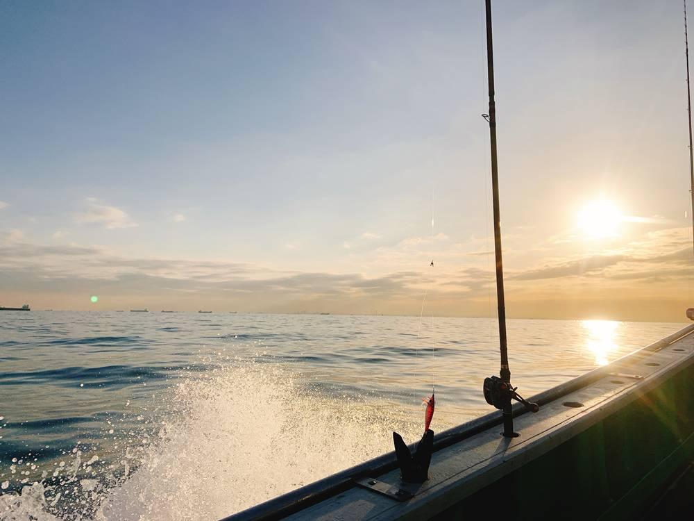 船釣りの風景